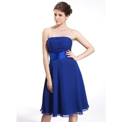 A-Line/Princess Strapless Knee-Length Chiffon Bridesmaid Dress With Ruffle Bow(s)