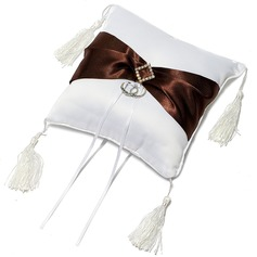 Chic Ring Pillow in Satin With Sash/Tassel