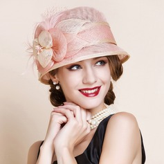 Dames Beau Batiste avec Feather Chapeau melon / Chapeau cloche