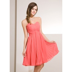 Empire Sweetheart Knee-Length Chiffon Homecoming Dress With Beading Pleated