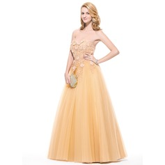 Ball-Gown Sweetheart Floor-Length Tulle Prom Dress With Appliques Lace Flower(s)