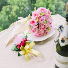 Eye-catching Round Satin Flower Sets(Including Boutonniere, Bridal Bouquets)