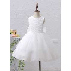 A-Line/Princess Knee-length Flower Girl Dress - Tulle/Lace Sleeveless Scoop Neck With Flower(s)/Sequins/Bow(s)