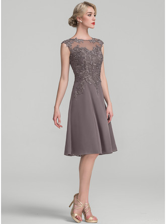 Scoop Neck Knee-Length Chiffon Lace Cocktail Dress
