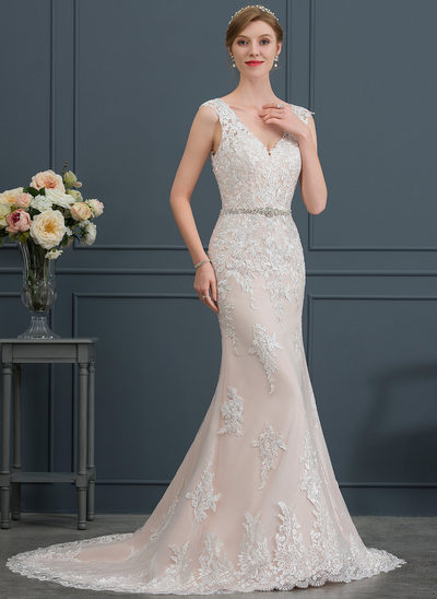 Trumpet/Mermaid V-neck Court Train Tulle Wedding Dress