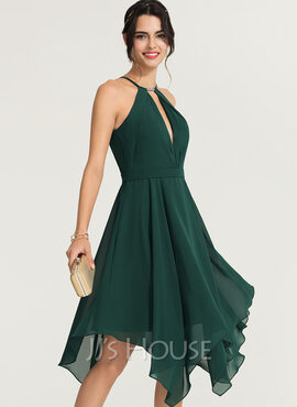A-Line Scoop Neck Asymmetrical Chiffon Cocktail Dress With Beading (016170865)
