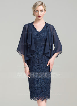 Sheath/Column V-neck Knee-Length Lace Mother of the Bride Dress With Ruffle (008085297)