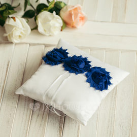 Square Ring Pillow in Satin With Ribbons (103093884)