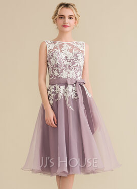 A-Line Scoop Neck Knee-Length Organza Lace Bridesmaid Dress With Bow(s) (007144740)
