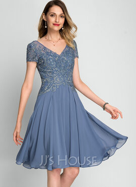 A-Line V-neck Knee-Length Chiffon Cocktail Dress With Beading Sequins (016212872)