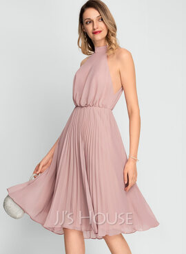 A-Line High Neck Knee-Length Chiffon Cocktail Dress With Pleated (016197082)
