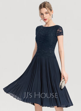 A-Line Scoop Neck Knee-Length Chiffon Cocktail Dress With Sequins Pleated (016154233)