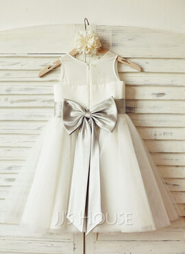 A-Line/Princess Knee-length Flower Girl Dress - Chiffon/Tulle Sleeveless Scoop Neck With Bow(s) (010100978)