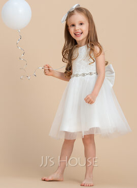 A-Line/Princess Knee-length Flower Girl Dress - Satin/Tulle/Lace Sleeveless Scoop Neck With Bow(s)/Rhinestone/V Back (010169228)