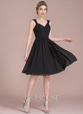 A-Line/Princess V-neck Knee-Length Chiffon Bridesmaid Dress With Ruffle Bow(s) (266177037)