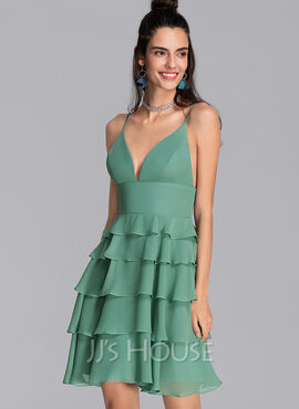 A-Line V-neck Short/Mini Chiffon Homecoming Dress With Cascading Ruffles (022206543)