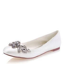 Women's Silk Like Satin Flat Heel Closed Toe Flats With Crystal (047185251)
