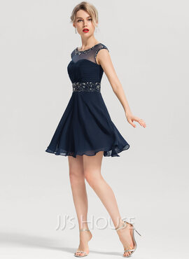 A-Line Scoop Neck Short/Mini Chiffon Homecoming Dress With Beading Sequins (022163285)