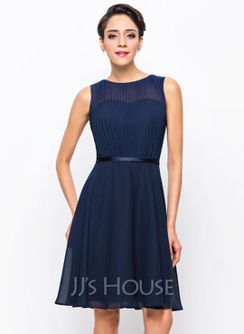 A-Line Scoop Neck Knee-Length Chiffon Cocktail Dress With Pleated (016055951)