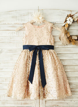 A-Line/Princess Knee-length Flower Girl Dress - Sequined Sleeveless Scoop Neck With Sash/Sequins/Bow(s) (010096051)