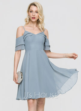 A-Line V-neck Knee-Length Chiffon Homecoming Dress With Cascading Ruffles (022211649)