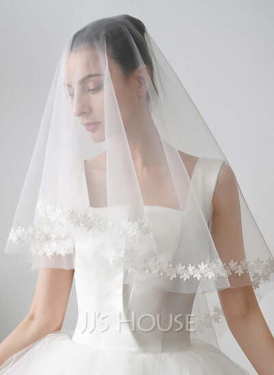 Two-tier Cut Edge Fingertip Bridal Veils With Satin Flower