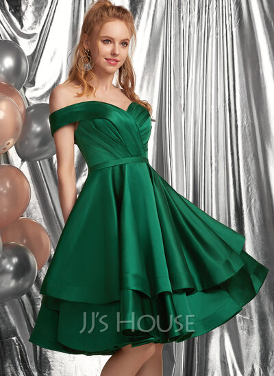 A-Line Off-the-Shoulder Knee-Length Satin Homecoming Dress With Ruffle