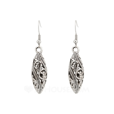 Unique Metal Ladies' Fashion Earrings