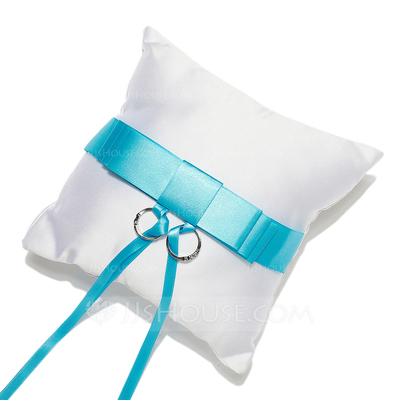 Delicate Ring Pillow in Satin With Sash