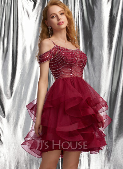 Ball-Gown/Princess Scoop Neck Short/Mini Tulle Homecoming Dress With Beading Sequins