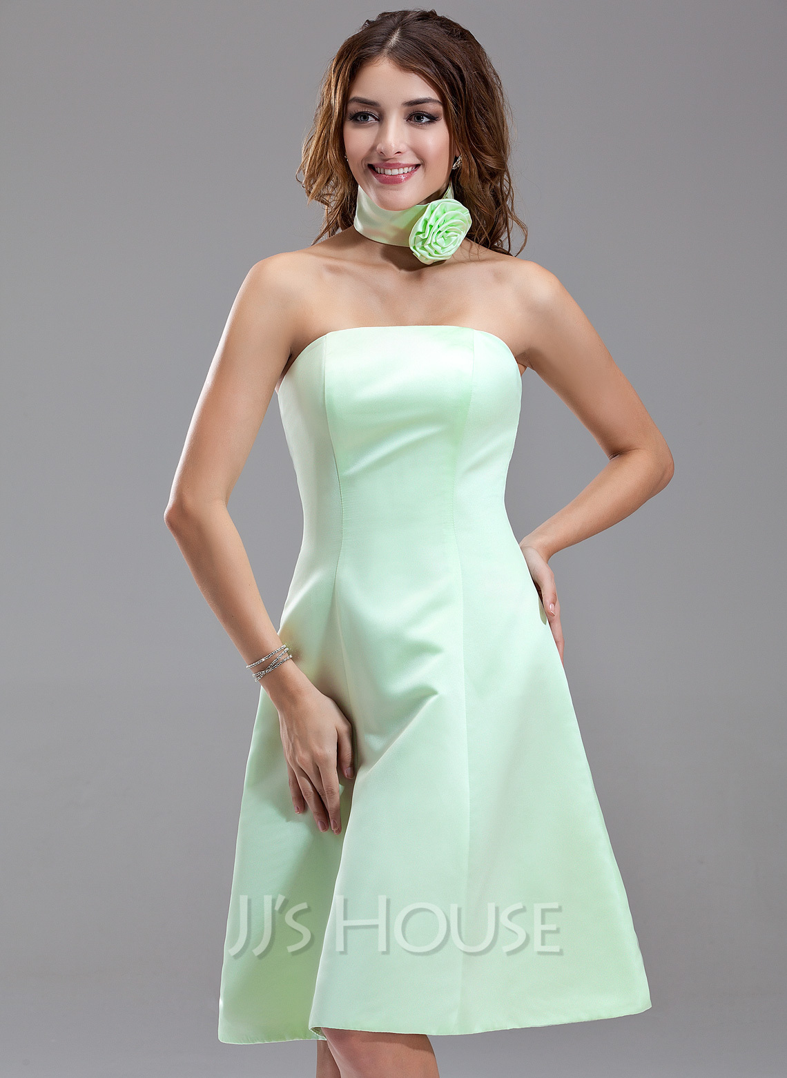 5da625bbbe1b0 A-Line/Princess Strapless Knee-Length Satin Bridesmaid Dress. Loading zoom