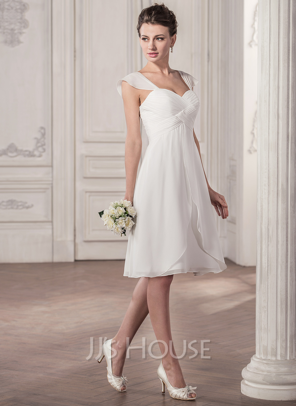Sweetheart Knee-Length Chiffon Wedding Dress With Ruffle