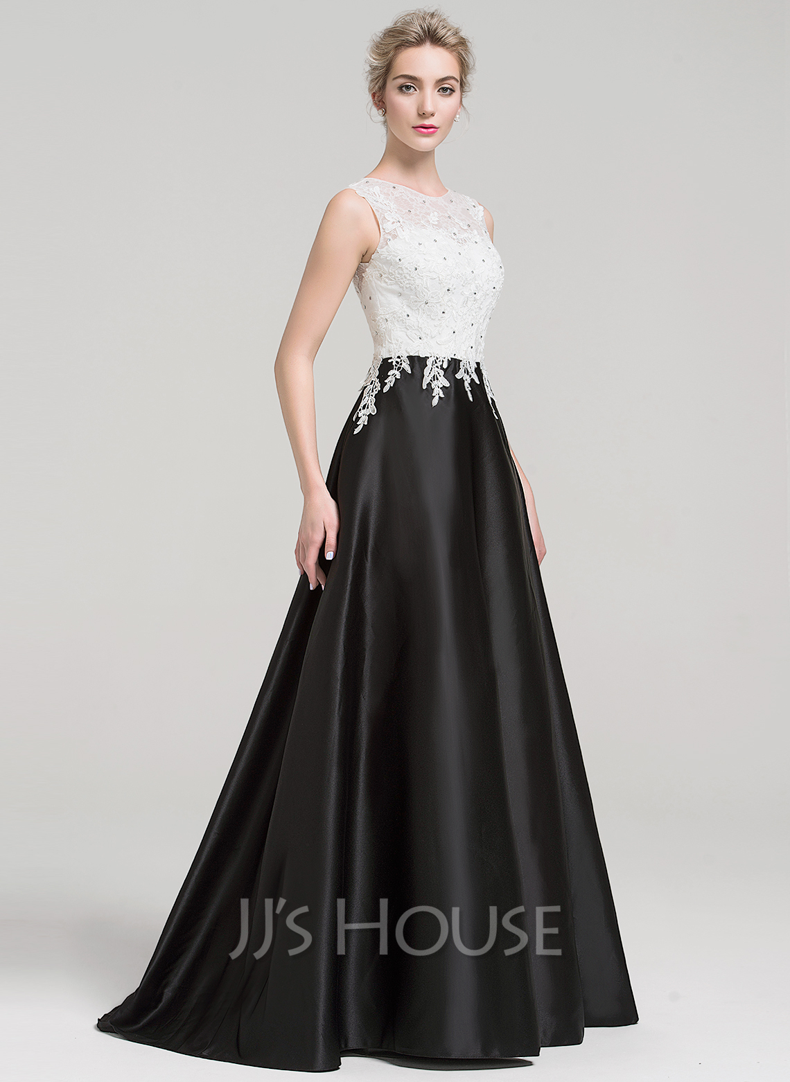 Scoop Neck Sweep Train Satin Evening Dress With Beading