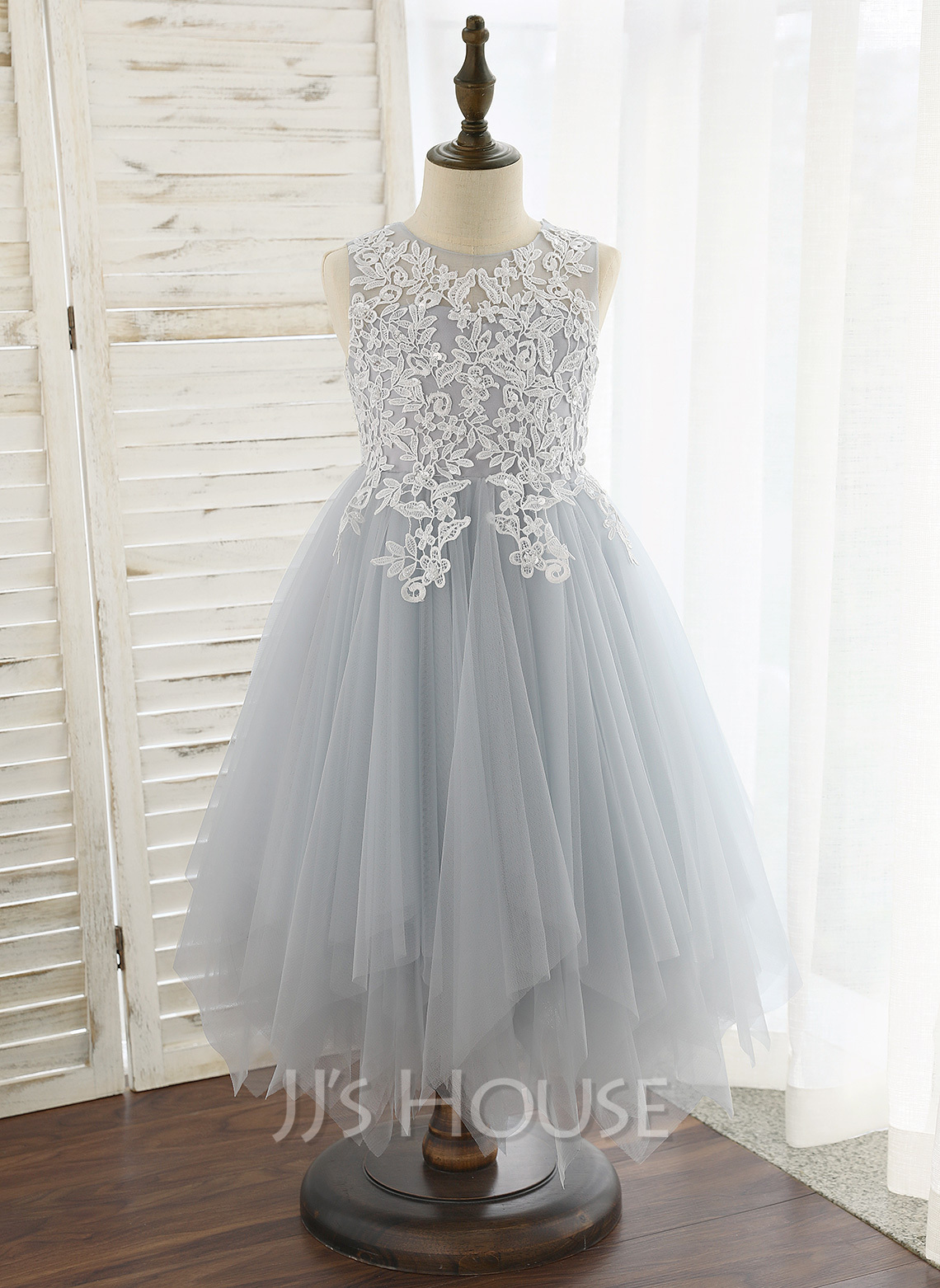 4e48a338a83 A-Line Tea-length Flower Girl Dress - Tulle Lace Sleeveless Scoop Neck.  Loading zoom