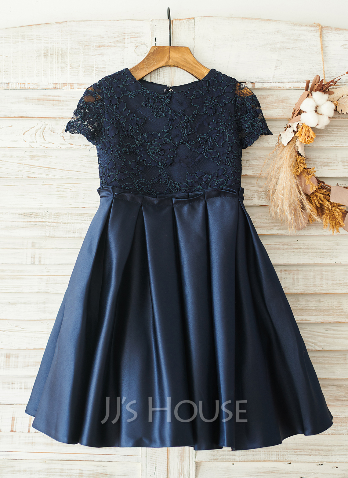 Knee-length Flower Girl Dress - Satin Lace Short Sleeves Scoop Neck With Back Hole