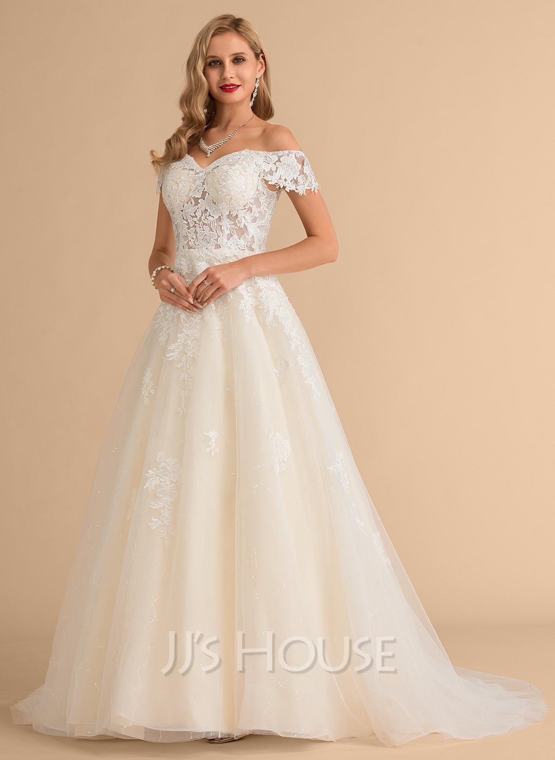 Ball-Gown/Princess Off-the-Shoulder Court Train Tulle Lace Wedding Dress