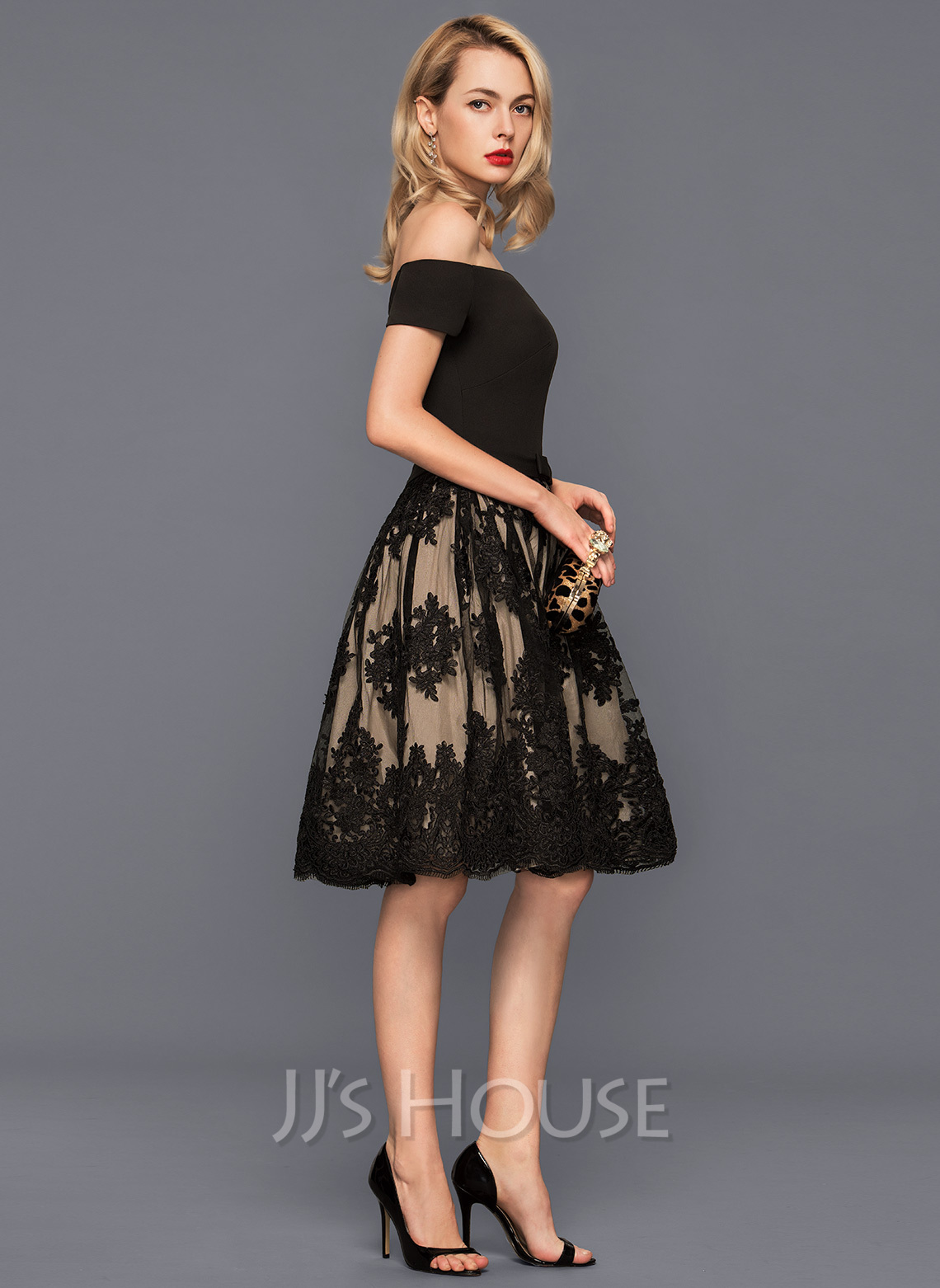 Off-the-Shoulder Knee-Length Tulle Lace Cocktail Dress With Bow(s)
