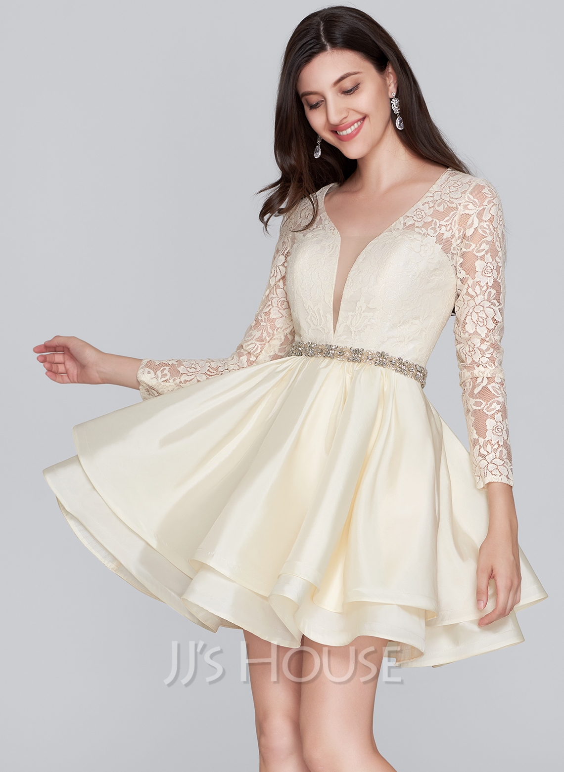 A-Line V-neck Short/Mini Taffeta Homecoming Dress With Beading