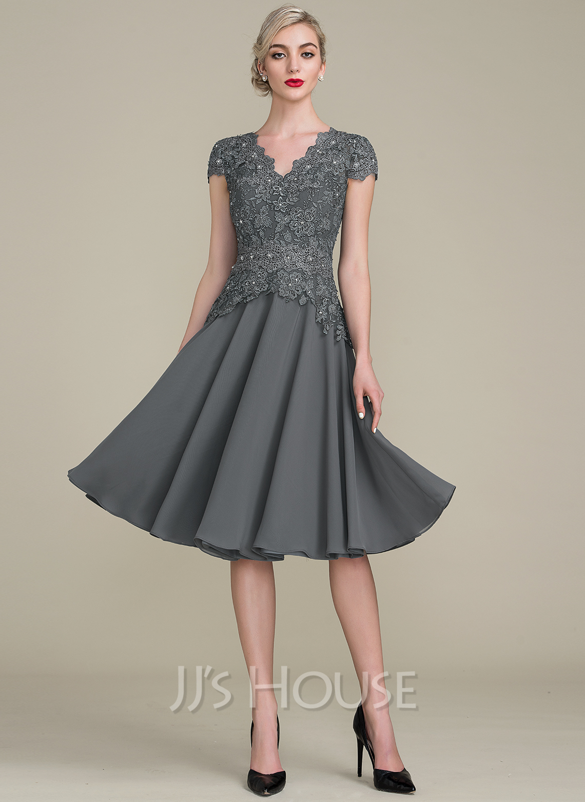 A-Line/Princess V-neck Knee-Length Cocktail Dress With Beading ...