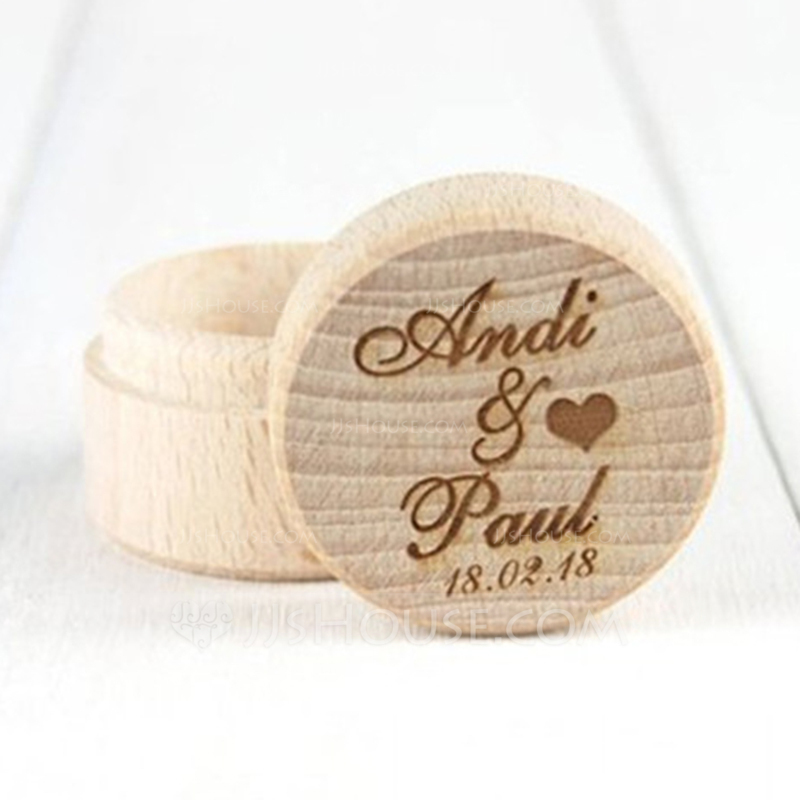 Simple/Classic Ring Box in Wood
