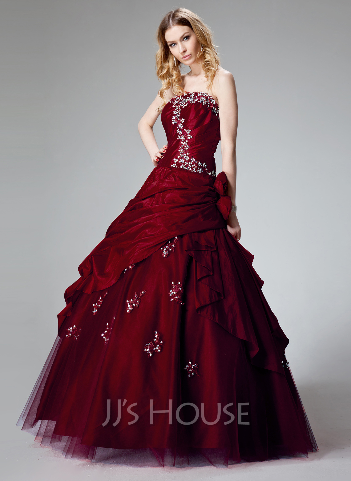 1aed4a5b0a9 Ball-Gown Strapless Floor-Length Taffeta Quinceanera Dress With Ruffle  Beading Appliques Lace Flower