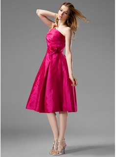 A-Line/Princess One-Shoulder Knee-Length Taffeta Bridesmaid Dress With Ruffle Flower(s)
