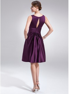 A-Line/Princess V-neck Knee-Length Satin Bridesmaid Dress With Ruffle