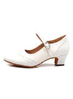 laced dress shoes woman