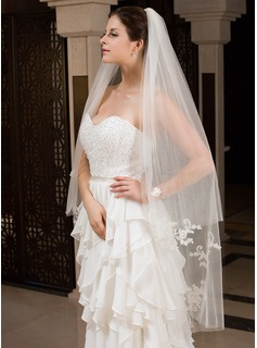 Two-tier Waltz Bridal Veils With Cut Edge