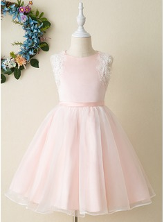 Ball-Gown/Princess Knee-length Flower Girl Dress - Organza/Satin Sleeveless Scoop Neck With Appliques