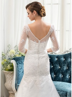 Trumpet/Mermaid Scoop Neck Court Train Tulle Lace Wedding Dress With Beading