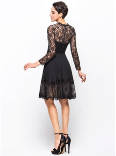 A-Line/Princess Scoop Neck Knee-Length Chiffon Lace Cocktail Dress With Pleated