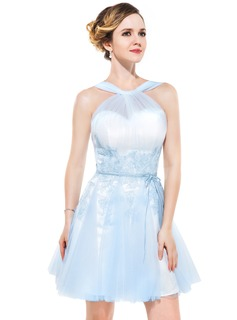 A-Line/Princess V-neck Short/Mini Tulle Homecoming Dress With Ruffle Appliques Lace Bow(s)