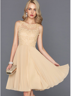 A-Line Scoop Neck Knee-Length Chiffon Cocktail Dress With Pleated